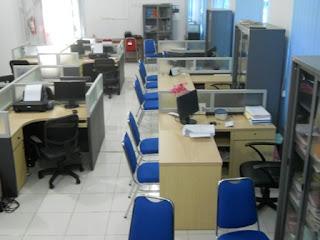 Kontraktor Meja Sekat Untuk Kantor Pemerintahan (Furniture Semarang)