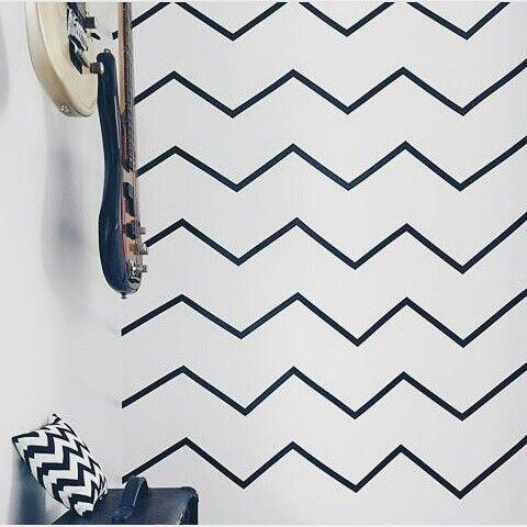 Efeito chevron em azulejos e paredes com fita isolante