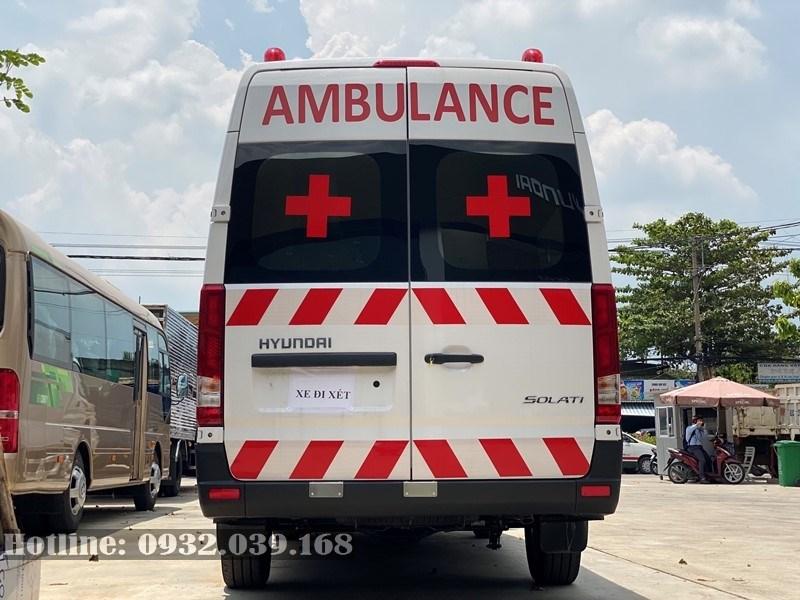 Ngoại thất Hyundai Solati Ambulance 2020