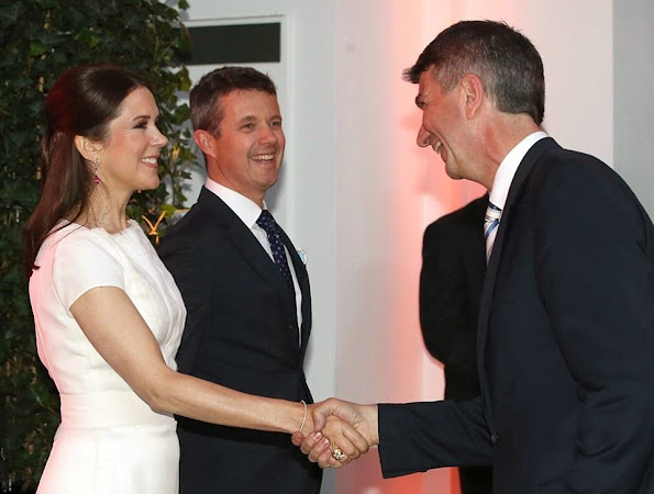 Crown Prince Frederik and Crown Princess Mary of Denmark attended a dinner at the Chamber of Commerce in Hamburg, Germany