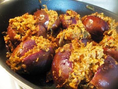 stuffed eggplant poriyal