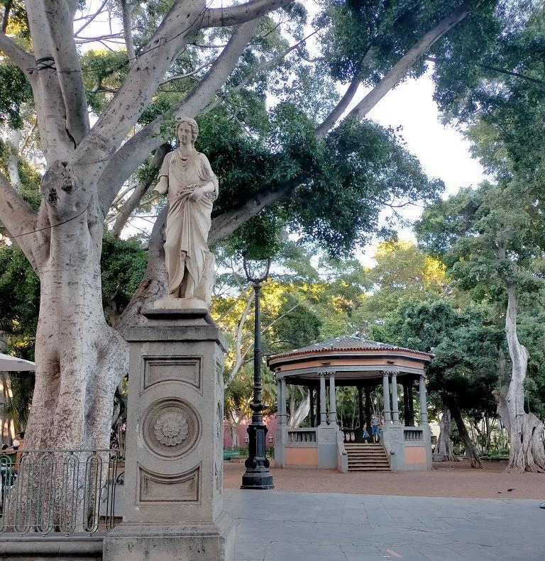 plaza-principe-asturias-que-visitar-santa-cruz