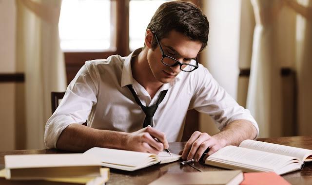 menulis buku di university press