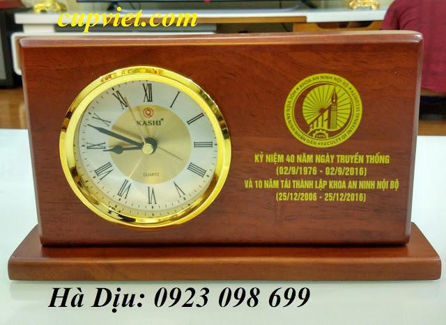 Cung cấp đồng hồ để bàn in logo quảng cáo