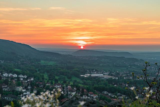 Sonnenuntergang am kleinen Burgberg  Wandern in Bad Harzburg  Wanderung Harz  Kurpark und Burgberg Bad Harzburg 15