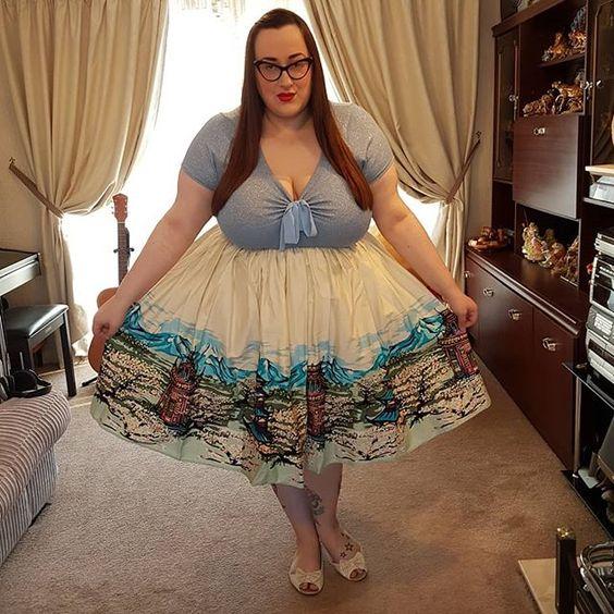 Collectif Vintage Jasmine Scenic Mountain Border Skirt plus size