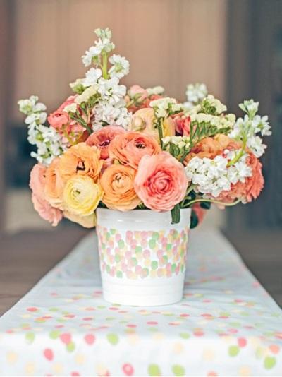 Vas bunga motif jari-jari