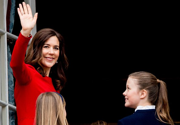 Crown Princess Mary wore Dolce and Gabbana cady dress. Princess Josephine wore Pili Carrera dress. Princess Marie. Princess Isabella Jewlscph necklace