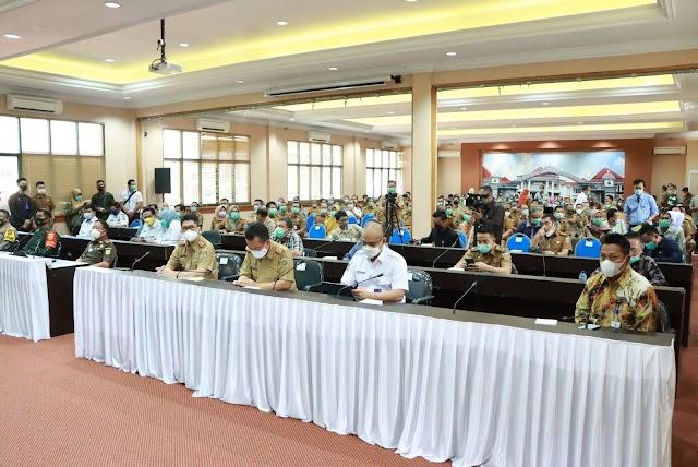 Kunjungan Kerja Ke Lampung Selatan, Gubernur Serahkan Bantuan Hewan Ternak Dan Rakor Rencana Pembangunan Kawasan Pariwisata Terintegrasi Pelabuhan Bakauheni