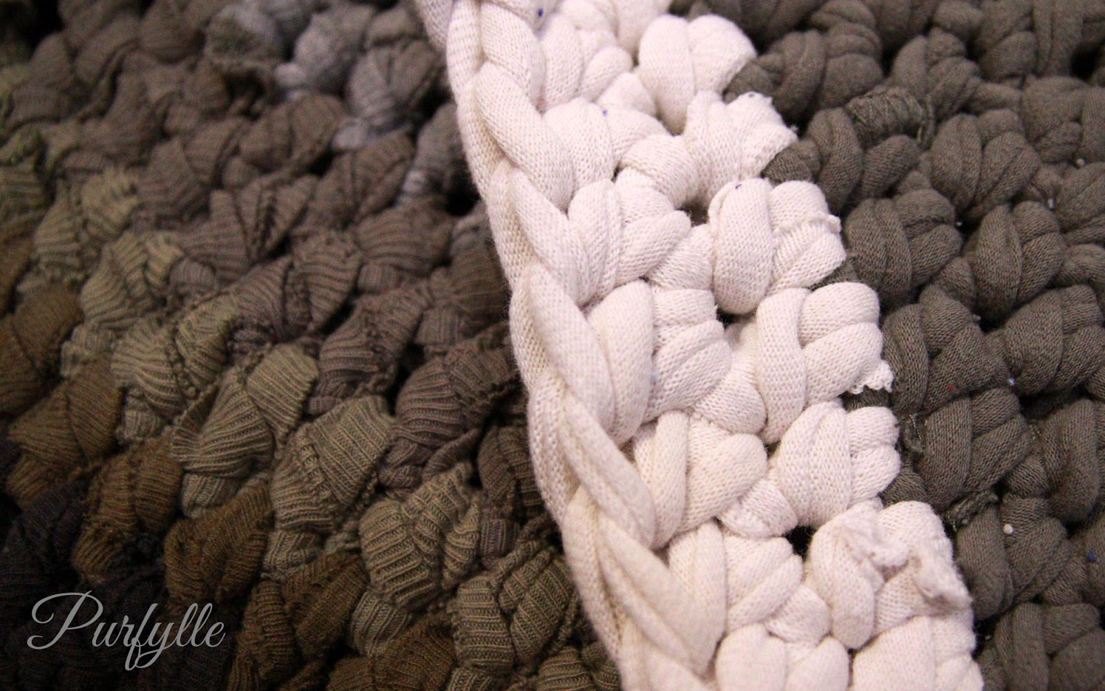 different textures from types of t-shirt yarn