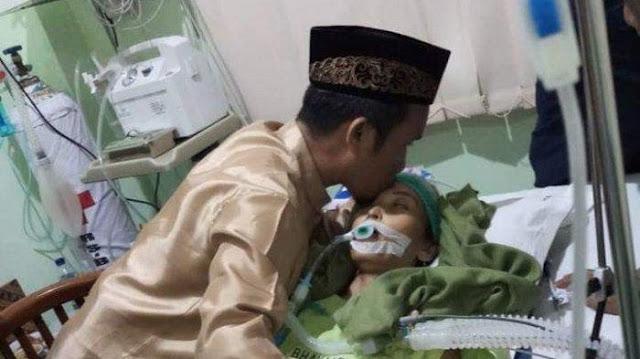 Istri Ustadz Maulana Meninggal Akibat Kanker Usus, Sering Makan Ini Jadi Penyebabnya