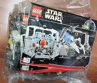 7754 Home One Calamari Star Cruiser Lego bags and bricks