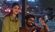 Sry Lankaanske spilers genietsje fan Pakistaansk iten by it ferneamde Karachi-iten