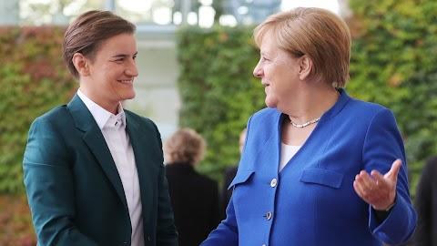 Merkel: Szerbiának tovább kell dolgoznia a Koszovóval való viszonya rendezésén