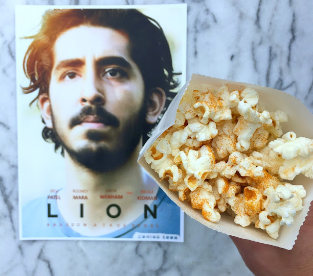 Fun Food Ideas for an Academy Awards Party in front of the TV - Curry Popcorn for Lion - www.jacolynmurphy.com