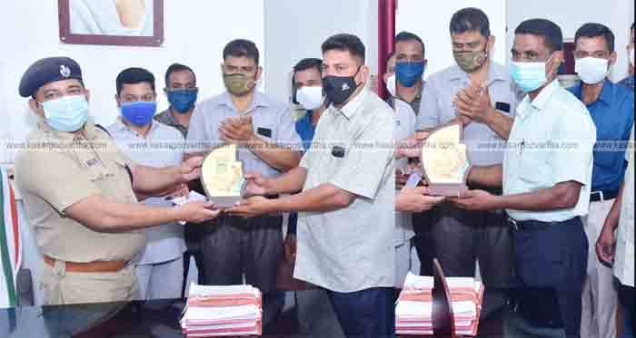 Kerala Home Guard Welfare Association honors top winners and covid defence fighters