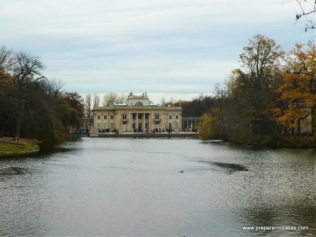 lugares que no te puedes perder en Varsovia, Parque Lazienki.