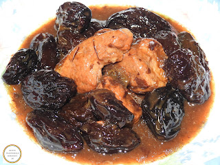 Prune cu porc reteta mancare taraneasca traditionala de casa dobrogeana cu carne si zahar ars caramel gatita la ceaun retete culinare mancaruri dulci romanesti,
