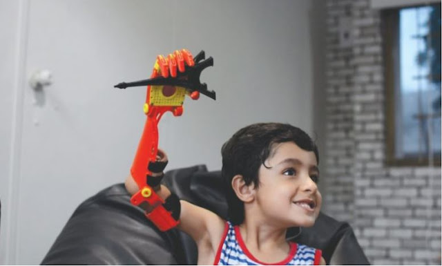 pakistani enginer has created a robotic arm that is control by brain