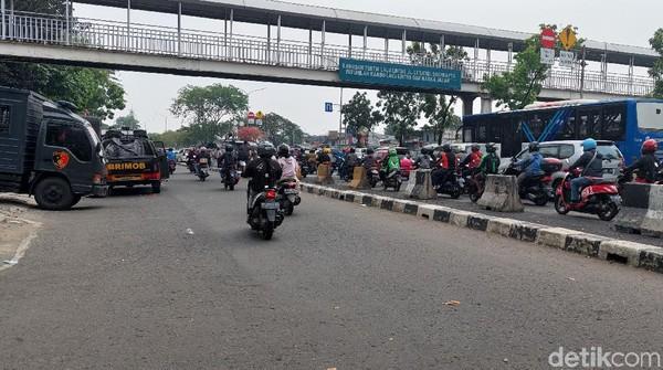 Massa Pendukung HRS Bubar, Lalin di Cempaka Putih Jakpus Dibuka Lagi