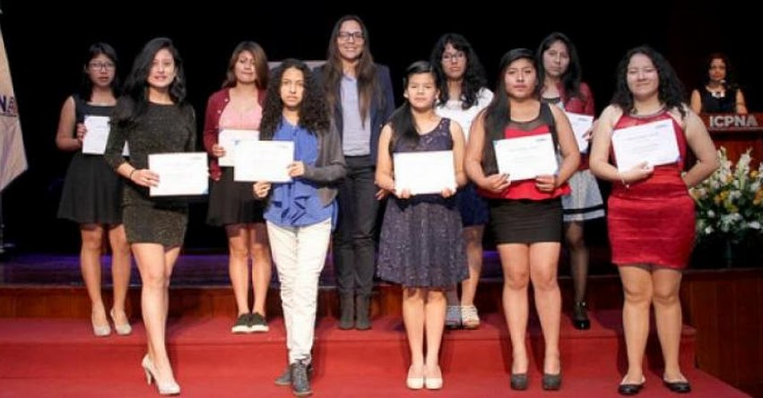 PRONABEC: Cerca de 300 jóvenes escolares culminaron estudios de idiomas con Beca Inglés EBR - www.pronabec.gob.pe