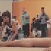 Interação de criança com artista pelado em museu de São Paulo gera polêmica