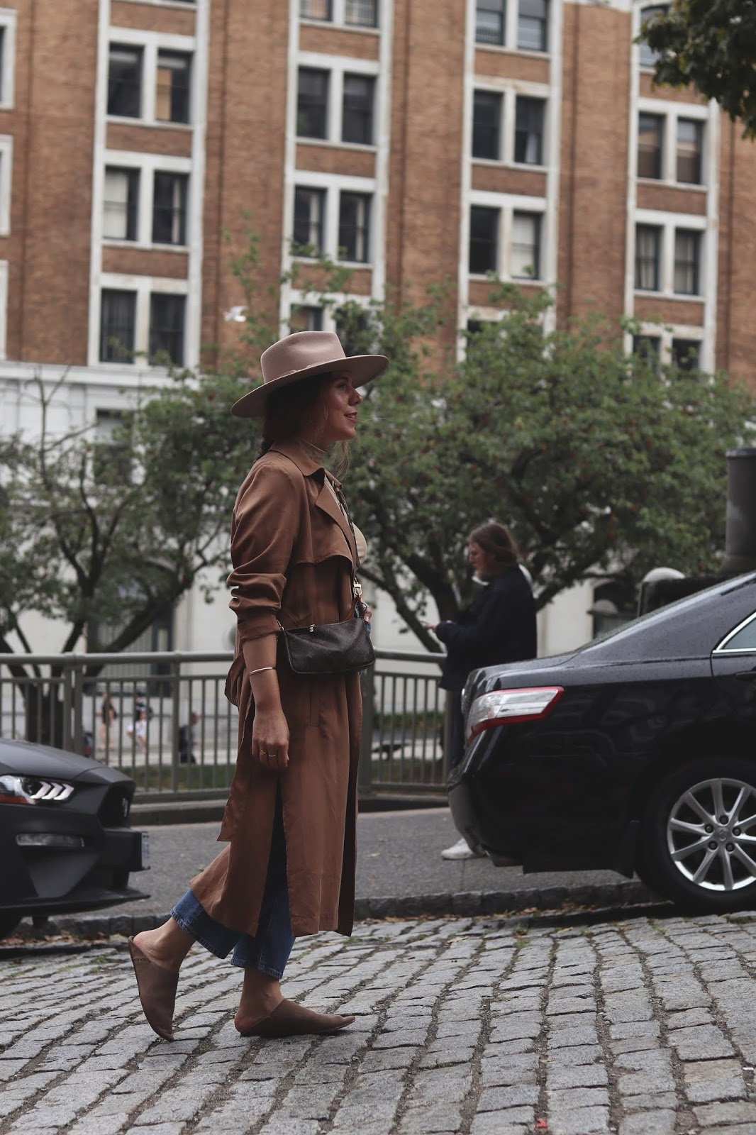 fall outfit idea le chateau trench coat hm bodysuit lack of color rancher hat vancouver fashion blogger