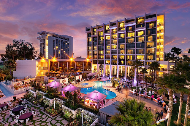 Book a getaway at Newport Beach Marriott Hotel & Spa. This hotel in Newport Beach, CA, boasts luxury accommodations, savory on-site dining and a day spa.