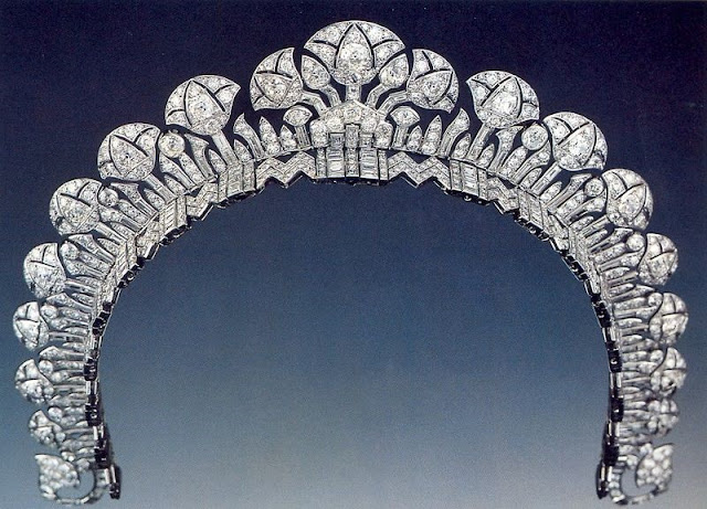 lotus halo diamond tiara cartier princess andree aga khan
