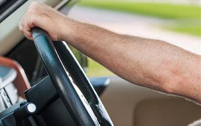Ο λάθος τρόπος οδήγησης προκαλεί μυϊκούς πόνους
