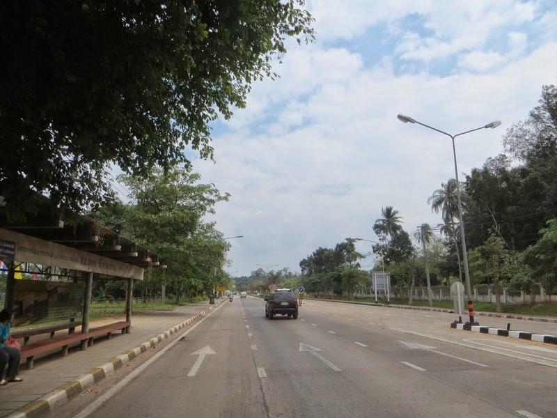 остановка общественного транспорта Таиланд