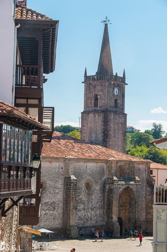 Un dia en Comillas, joya de Cantabria. Iglesia de San Cristóbal