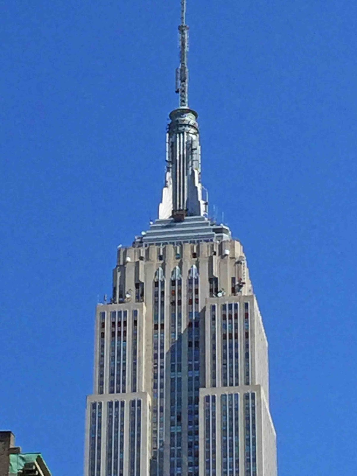 New York Empire State Building MARIETTE'S BACK TO BAS...