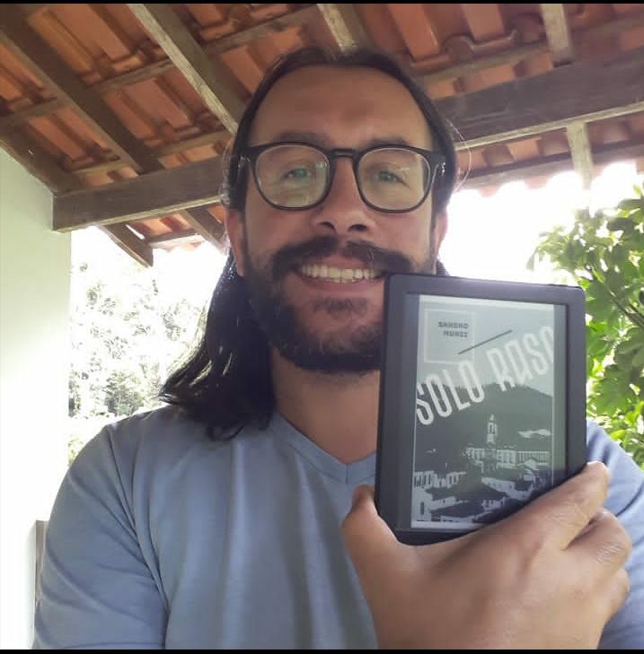 Entrevista com o autor   Sandro Muniz