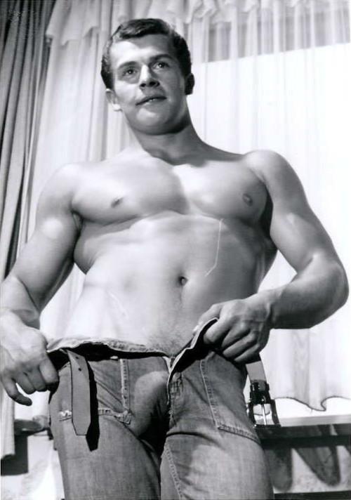 Bulges Gay 88