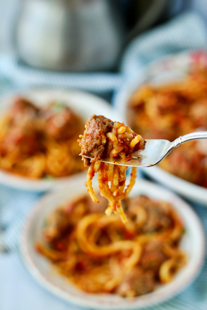 Instant Pot Spaghetti and Meatballs bite