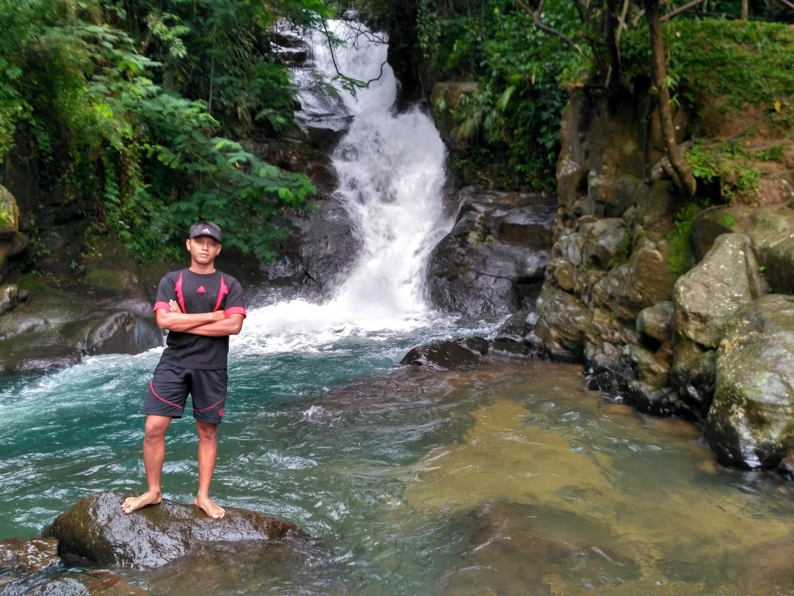 Obyek Wisata Yang Wajib Dikunjungi Air Terjun Curug