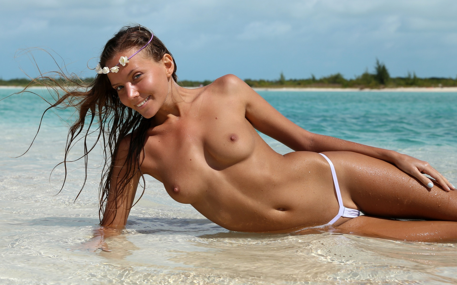 Erotic girls at the beach, girl pyssy defloration hq picture