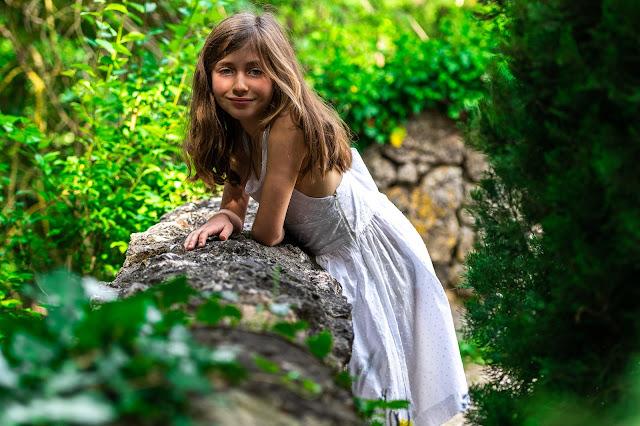 robe blanche fille Elleanor de Provence
