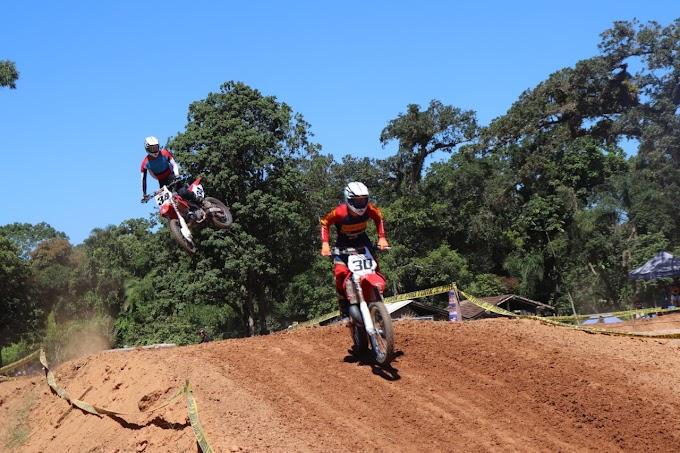 Balneário Piçarras  ))  Adrenalina na Copa Verão de Motocross