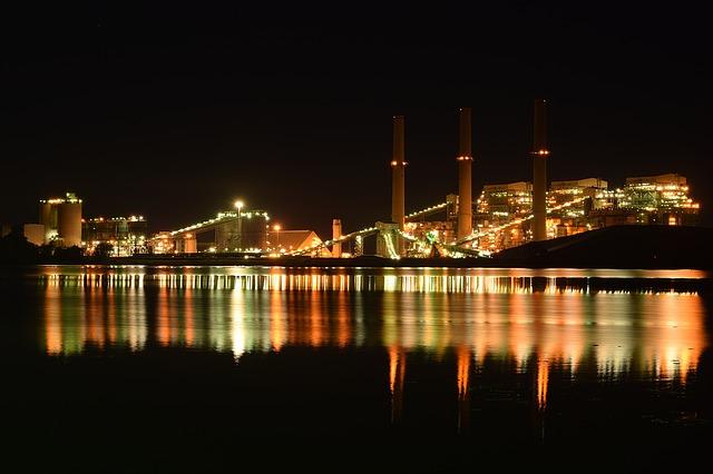 США: промышленное производство резко упало на 11,2%