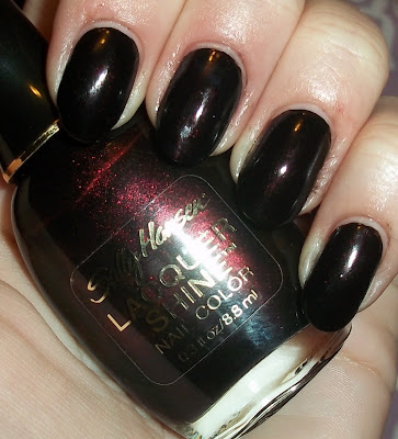Oooh so vampy! Sally Hansen - Glossy