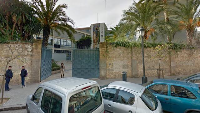 """Una profesora de religión en España hace preguntarse a sus alumnos de 12 años si han """"fornicado"""" o """"practicado la homosexualidad"""""""
