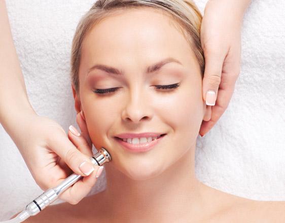 Dermatologist, Know How To Choose The Best Dermatologist in Delhi?