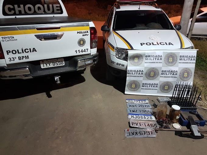 Brigada Militar estoura depósito de veículos roubados no Jardim Bethânia em Cachoeirinha