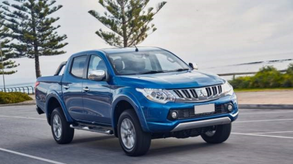 2017 Mitsubishi Triton Interior, Review, Rumors and Release Date