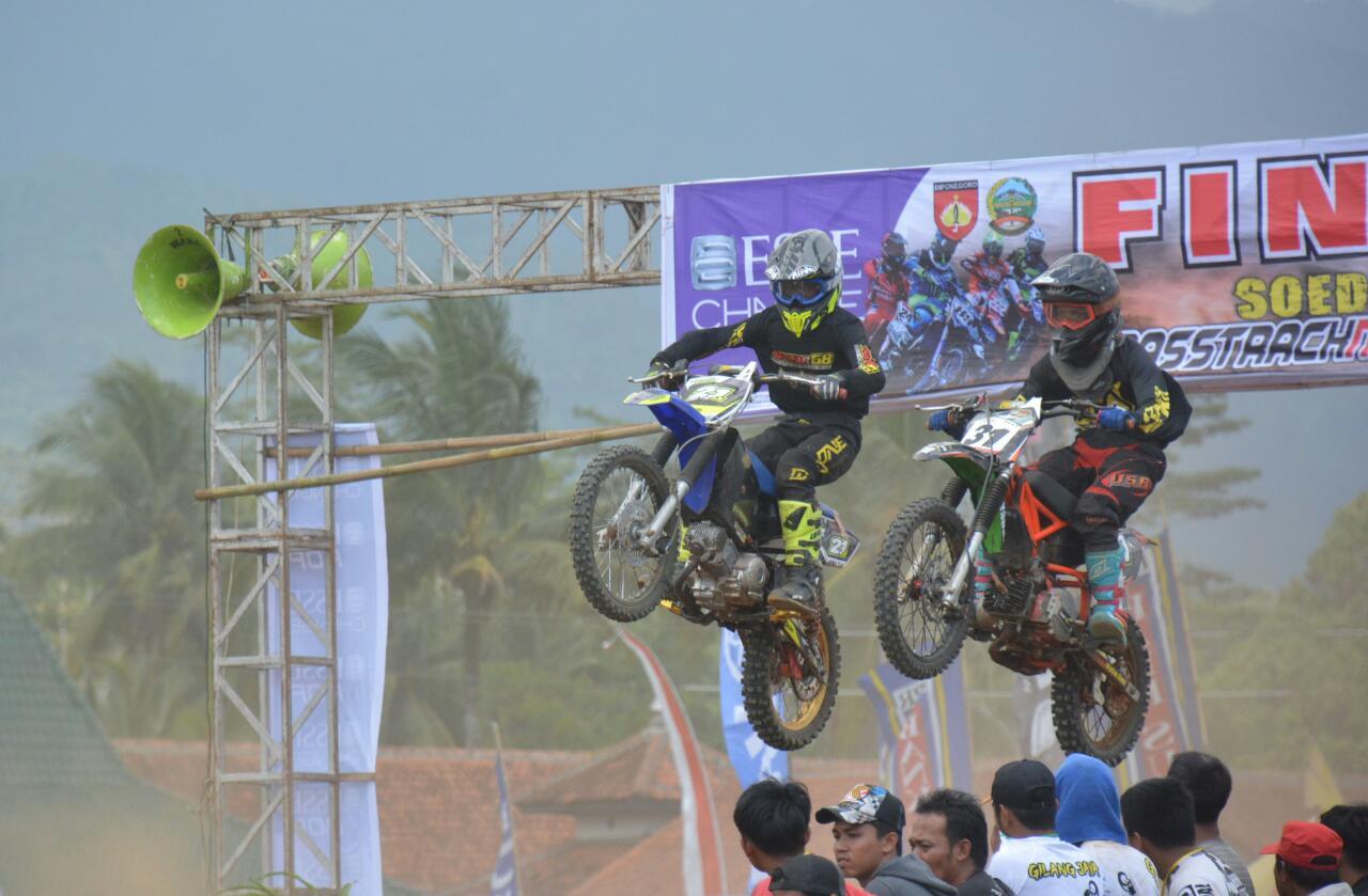 """Ratusan Crosser Ramaikan """"Sudirman"""" Grasstrack & Motocross"""" dalam Rangka Hari Juang TNI 2019"""