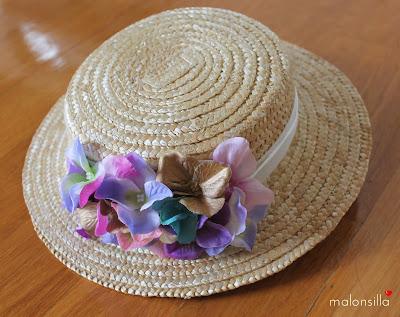 Canotier flores color pastel y cinta blanca