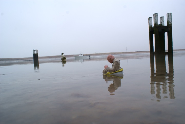 ©Isaac Cordal. Waiting for climate change