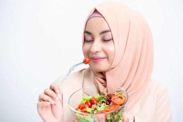 5 Tips Mengatur Pola Makan saat Puasa untuk Tingkatkan Daya Tahan Tubuh